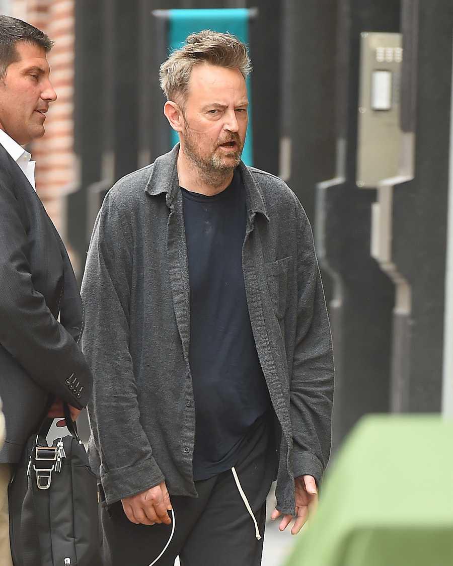 Matthew Perry paseando por Nueva York
