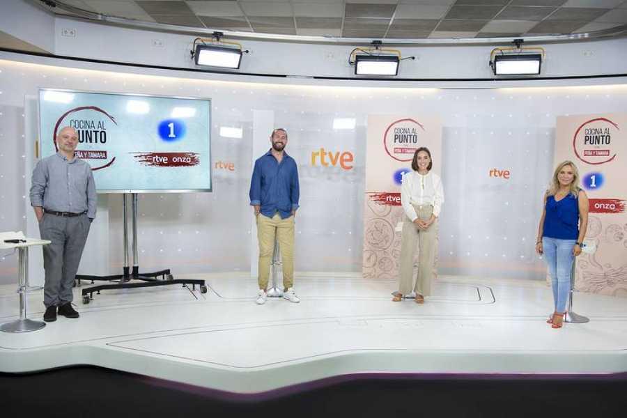 Ferrán Estellés, Javier Peña, Tamara Falcó y Toñi Prieto, en la rueda de prensa de 'Cocina al punto con Peña y Tamara'