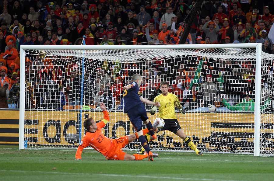 FINAL: Gol de Iniesta