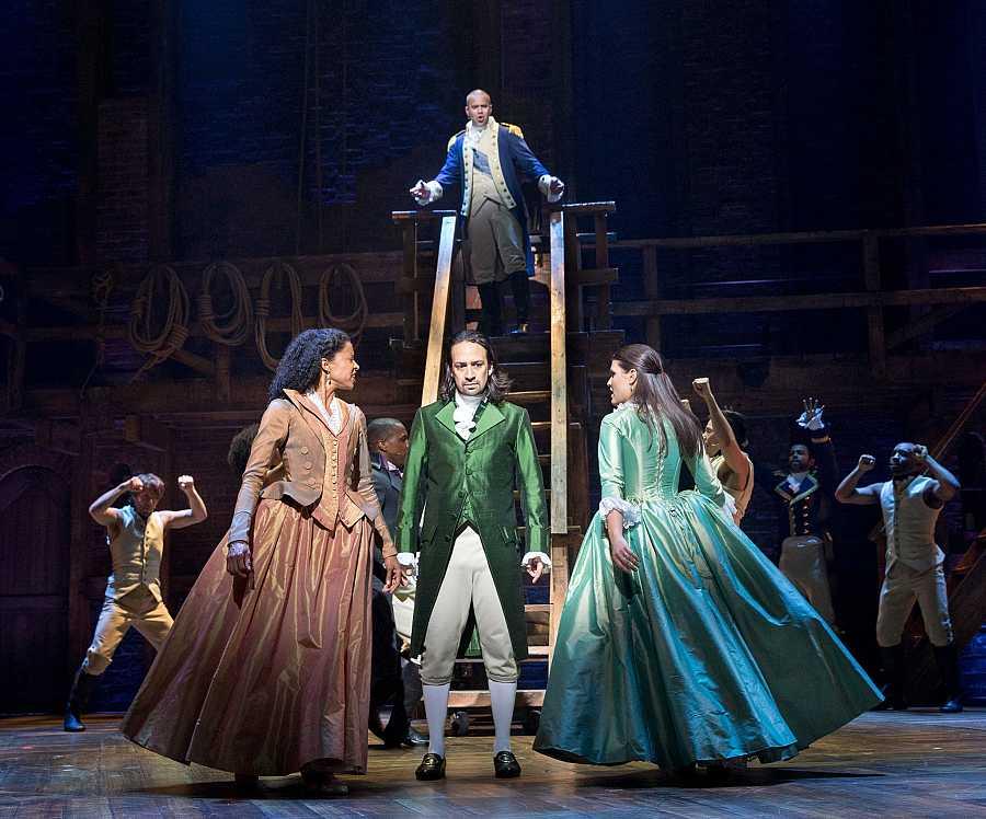 Alexander Hamilton, Aaron Burr y las hermanas Schuyler en el climático final del primer acto de 'Hamilton'