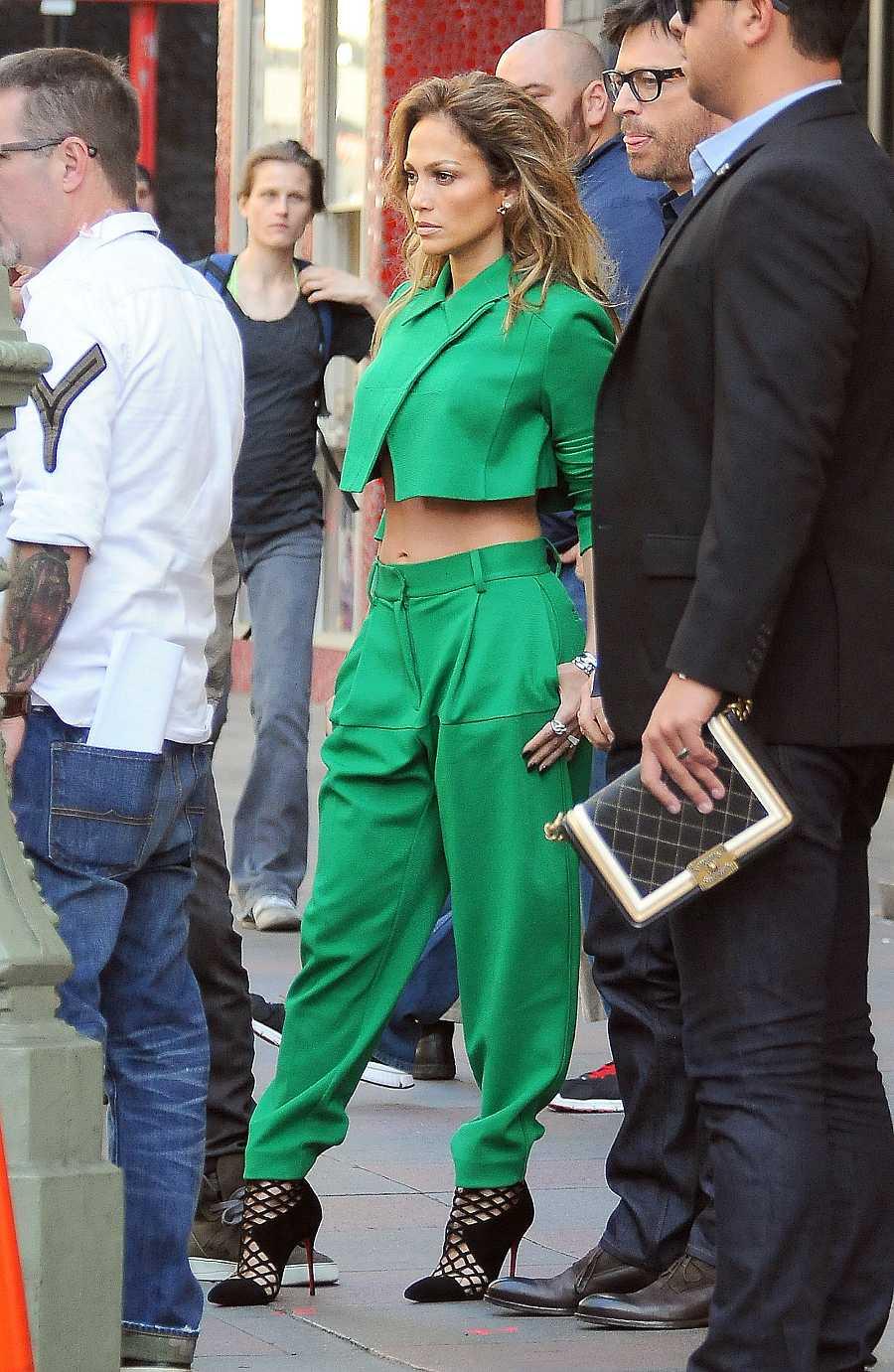 Jennifer Lopez en un rodaje en Los Ángeles en 2014. En la última década, se difuminan las barreras entre la tropa deportiva y el traje.