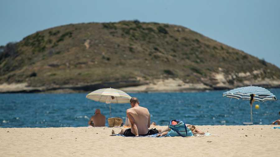 Nueva normalidad en las playas de Magaluf