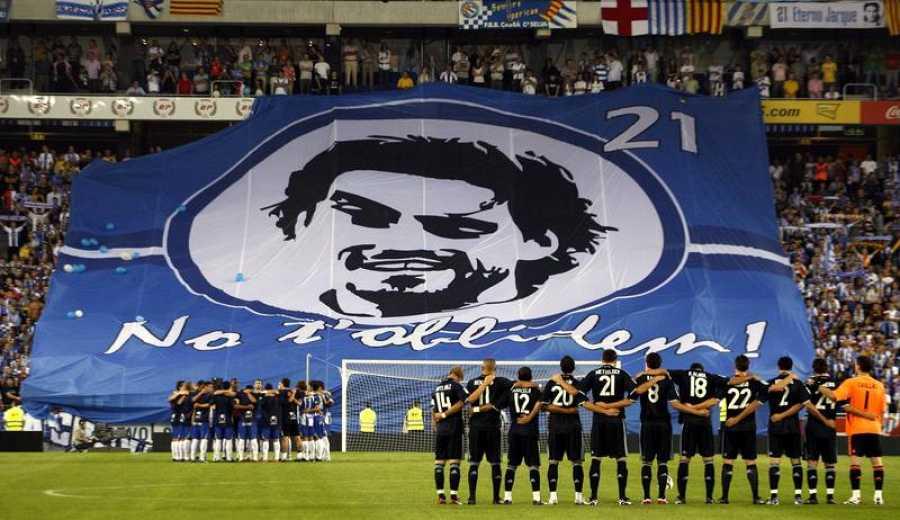 Homenaje al que fuera capitán del RCD Espanyol Dani Jarque, que falleció el pasado 8 de agosto mientras estaba concentrado con sus compañeros en Italia, antes del partido de su equipo frente al Real Madrid