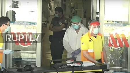 Captura del vídeo en el que se ve a trabajadores de ambulancias esperando en urgencias.