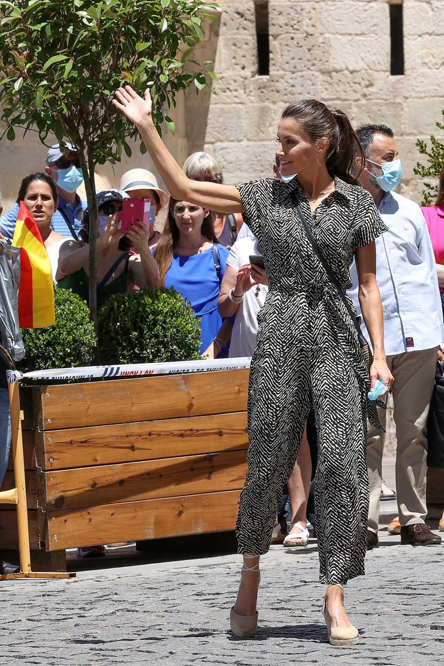 La reina Letizia durante su visita a Cuenca - 2 de julio de 2020.
