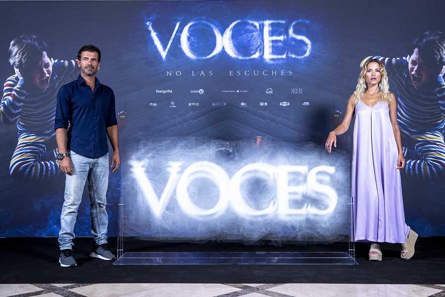 Ana Fernández y Rodolfo Sancho en el photocall de la película 'Voces', el 8 de julio en Madrid