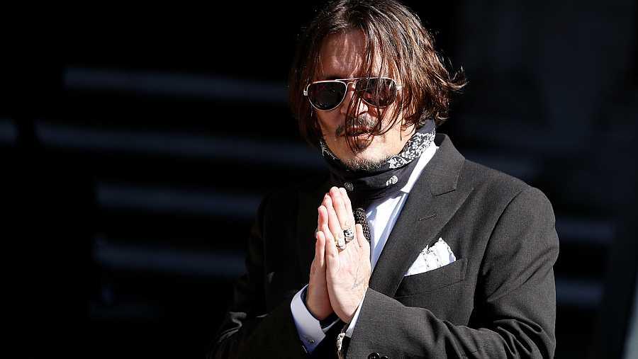 Johnny Depp llegando a la corte suprema de Londres en su juicio contra The Sun