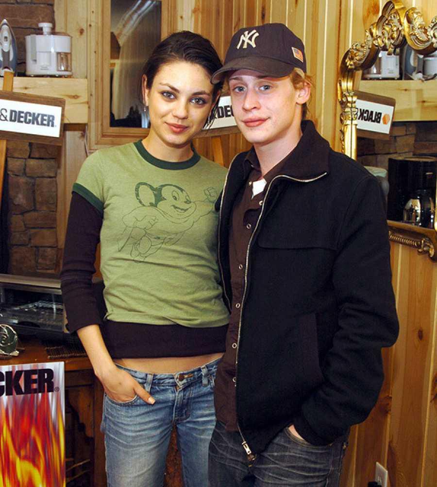 Mila Kunis junto a Macauley Culkin, su novio desde que era una actriz muy joven