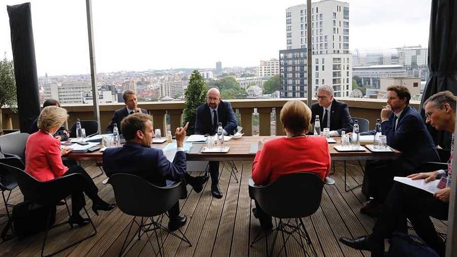 Macron y Merkel debaten junto a Michel y Von der Leyen algunos puntos del plan de reconstrucción