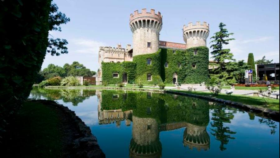 El Castell de Peralada, sede de la Fundación y que preside el Festival