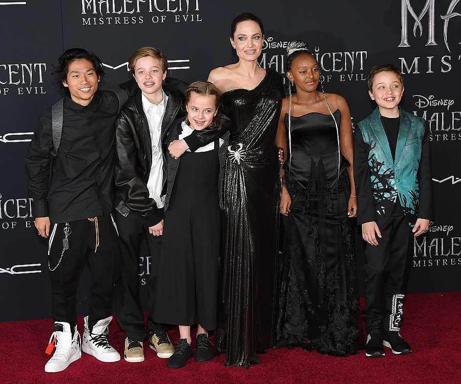 Angelina Jolie con sus hijos y sin Brad Pitt en el preestreno de 'Maléfica'