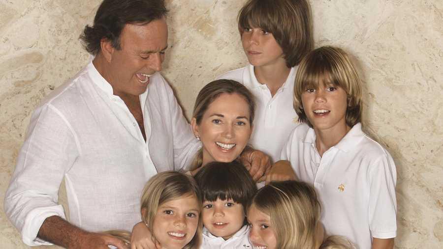 Parte de la familia de Julio Iglesias