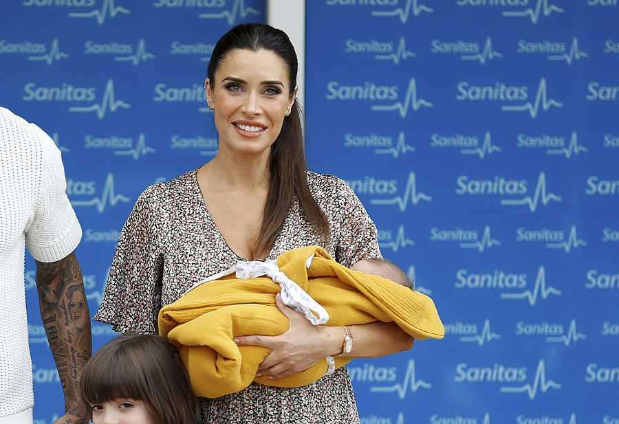 Pilar Rubio posa con su bebé, Máximo Adriano