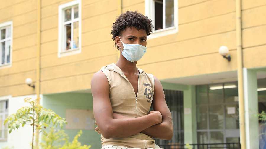 Berhan Berhe, de 17 años, fue raptado por traficantes de personas cuando emigraba desde Etiopía hasta Arabia Saudí.