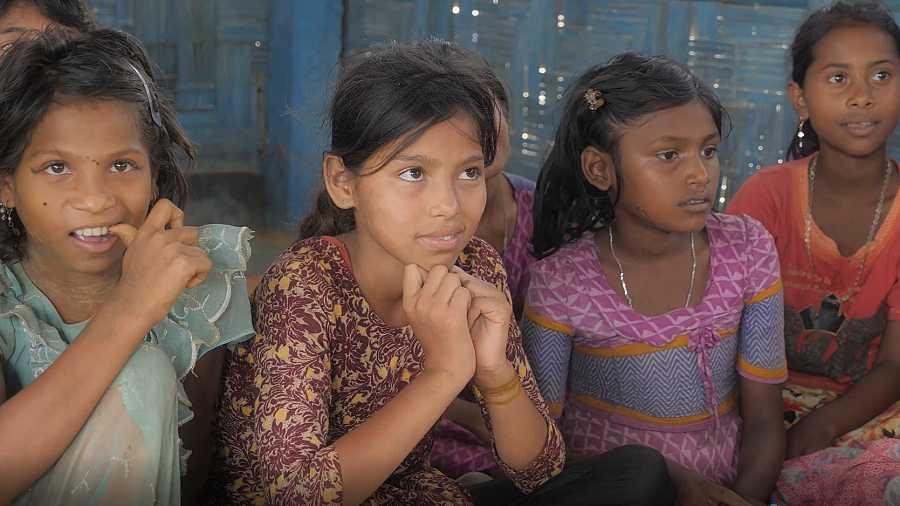 Niñas atendidas por Unicef en un campamento de refugiados rohingya en Balgladesh.