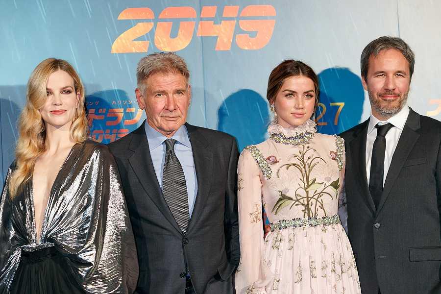 Ana de Armas junto a Harrison Ford, Denis Willeneuve y Sylvia Hoeks en la presentación de Blad Runner 2049