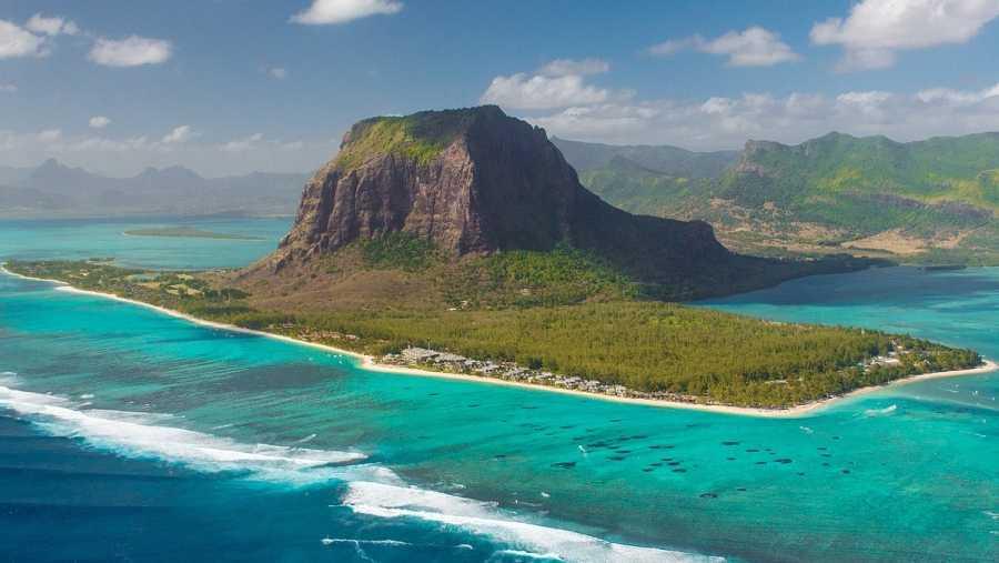 Isla Mauricio vista desde un helicóptero en una imagen de archivo