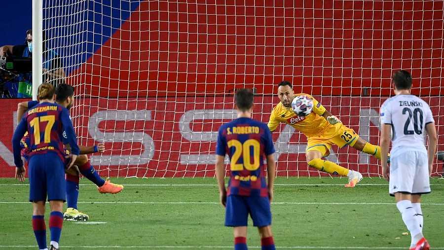 Así tiró Luis Súarez el penalti para hacer el 3-0
