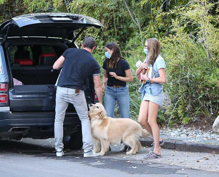 Ana de Armas junto a Ben Affleck y la hija del actor, Violet