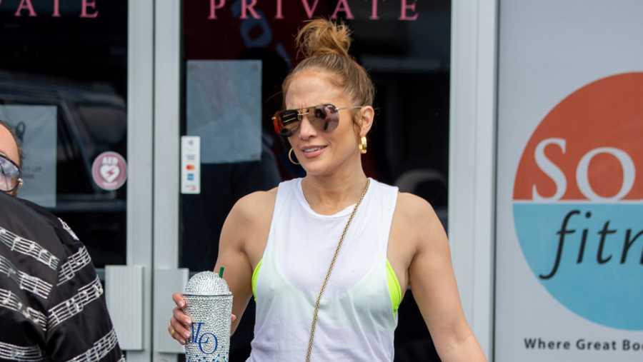 Jennifer López durante su salida de un gimnasio de Miami el pasado mes de abril