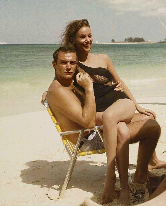 Sean Connery junto a Claudine Auger, la primera chica bond francesa ('Operación Trueno', 1965)