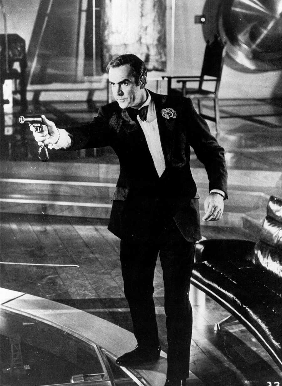 Sean Connery como James Bond, el agente 007