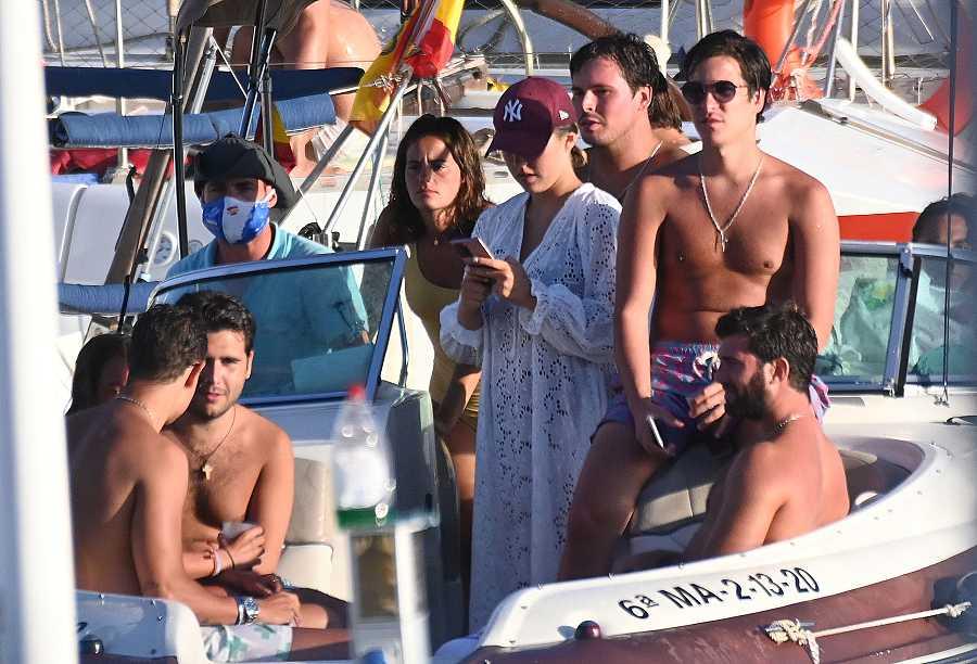 Alba Díaz y sus amigos se divierten en Marbella