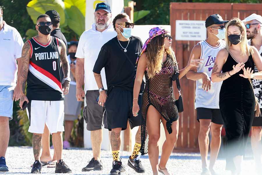 Neymar disfruta de una escapada a Ibiza con amigos