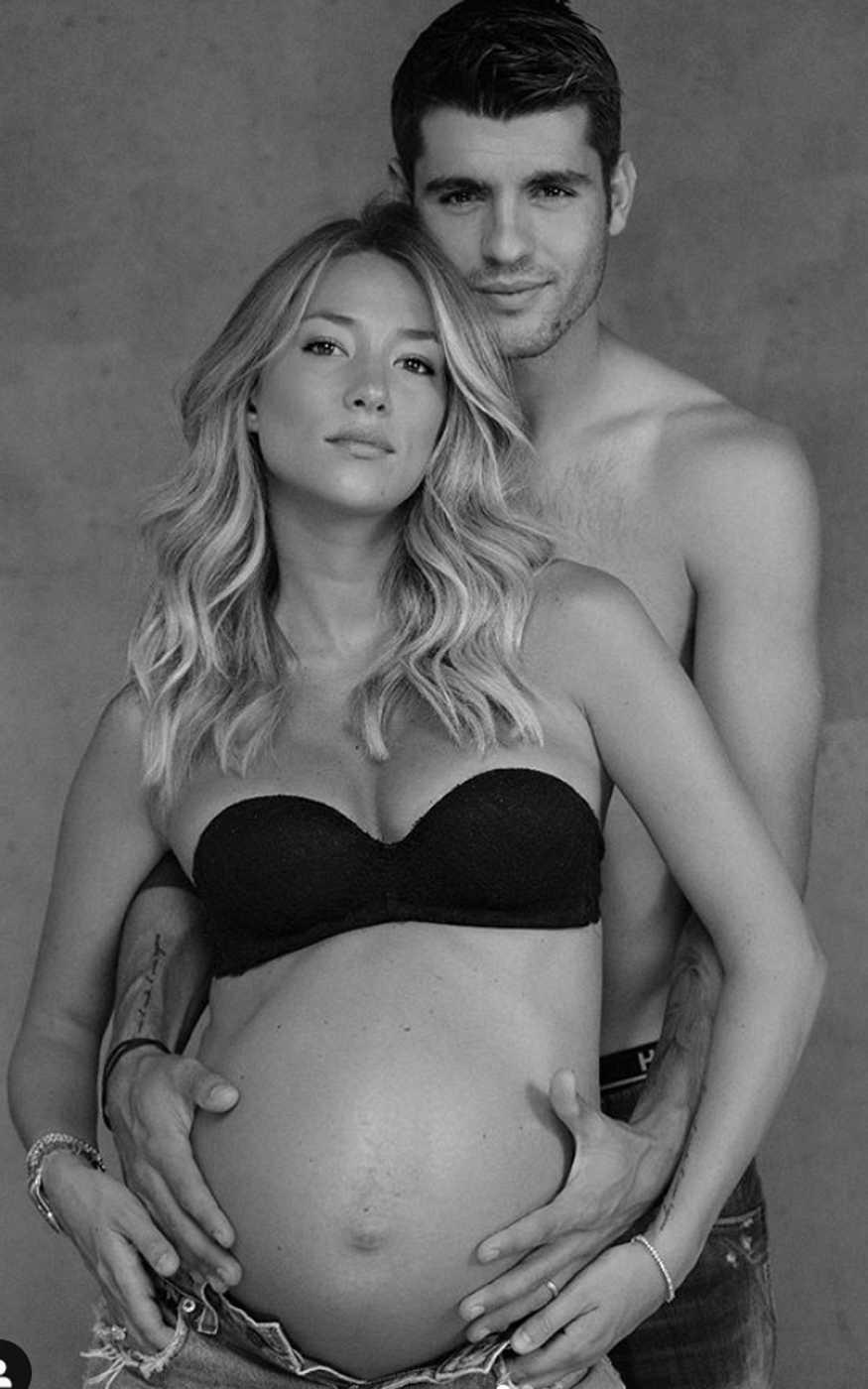 Alice Campello y Álvaro Morata posan pocas semanas antes de convertirse en padres de su tercer hijo
