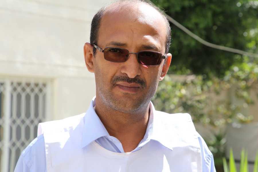 Muchas noches Walid no ha podido regresar a su casa después del trabajo por los combates