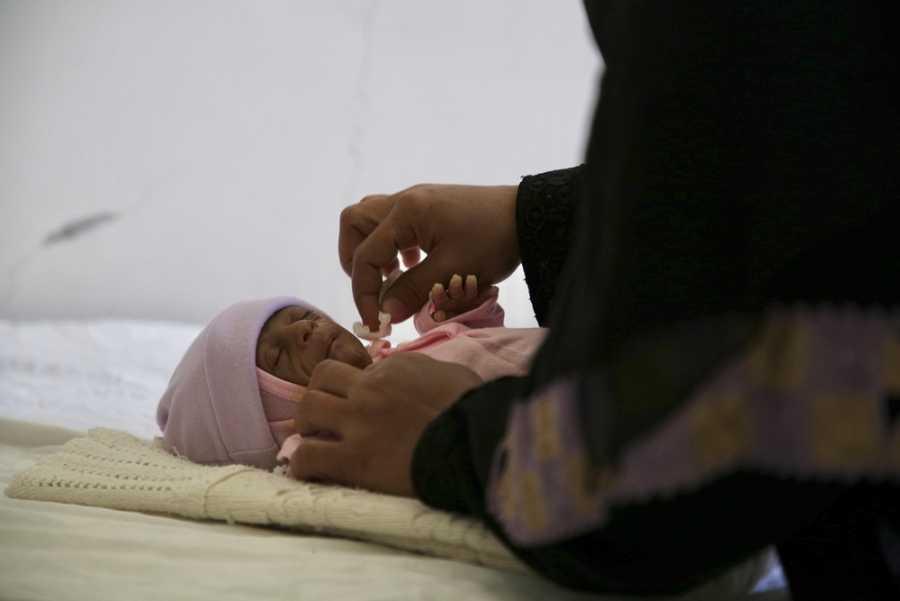 Taha es el tercer hijo de Balqees y solo tiene 48 días. Necesitó atención especializada a los pocos días de nacer