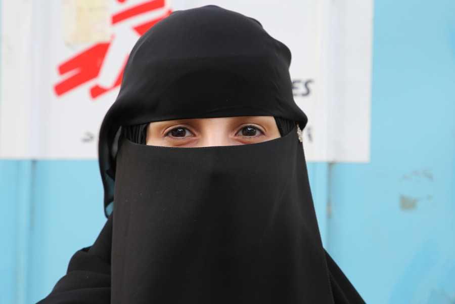 Hana, médico de familia y pediatra en el hospital materno-infantil de Houban, en Taiz