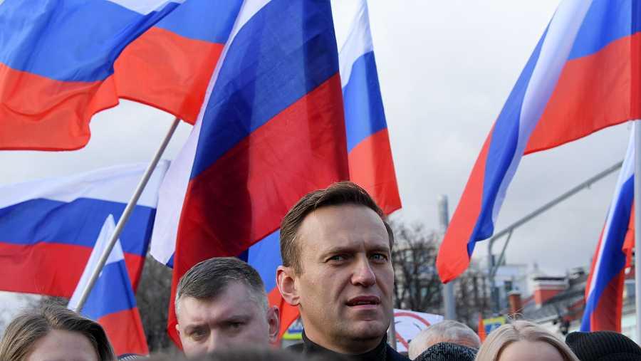 El líder de la oposición rusa, Alexei Navalny, durante una marcha celebrada en Moscú el pasado mes de febrero en recuerdo del asesinado Boris Nemtsov, otro crítico contra el Kremlin.