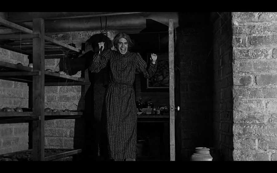 'Psicosis' (Alfred Hitchcock, 1960). La imagen del 'hombre disfrazado de mujer' como asesino o psicópata es un cliché presente en el cine desde hace décadas.