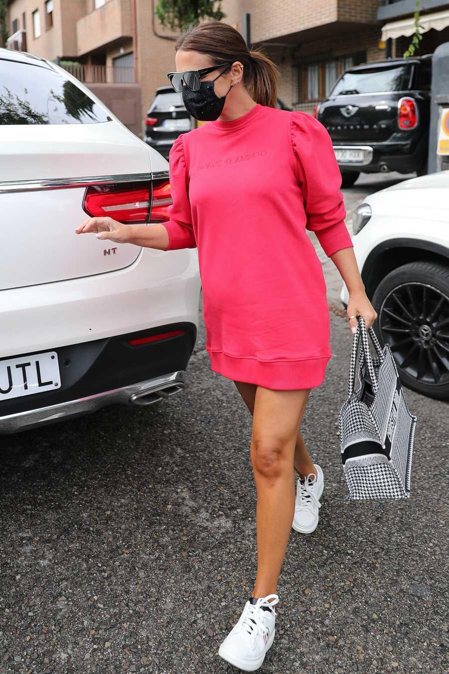 Paula Echevarría tras conocerse que está embarazada de su segundo hijo con un vestido de su propia marca