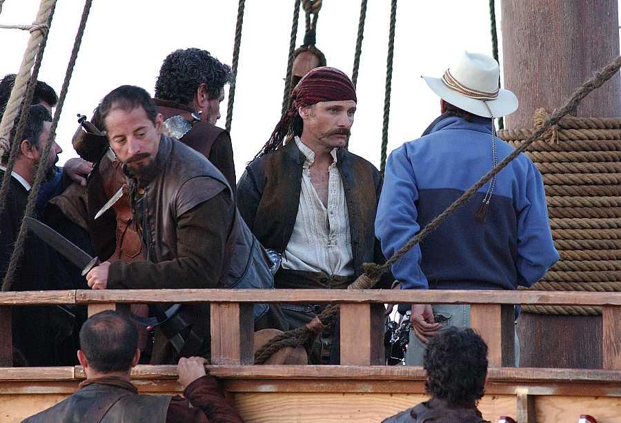 El actor Viggo Mortensen en el rodaje de la película 'Alatriste' en Tarifa