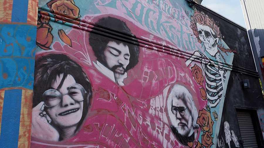 Un mural en San Francisco recuerda a los músicos fallecidos Janis Joplin, Jimi Hendrix y Jerry García (Grateful Dead).
