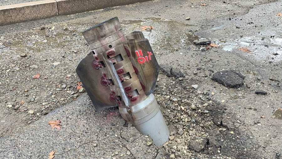 Un proyectil no explotado en la capital de Nagorno Karabaj.
