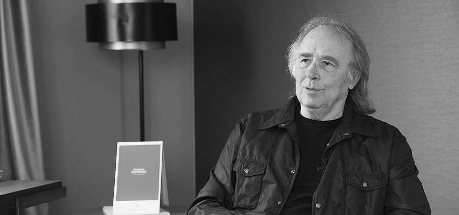 Joan Manuel Serrat, uno de los amigos de Víctor Manuel, que lo retratan en el documental