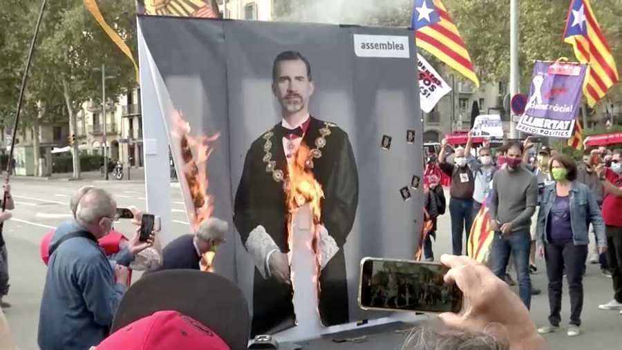 La ANC quema un retrato del rey