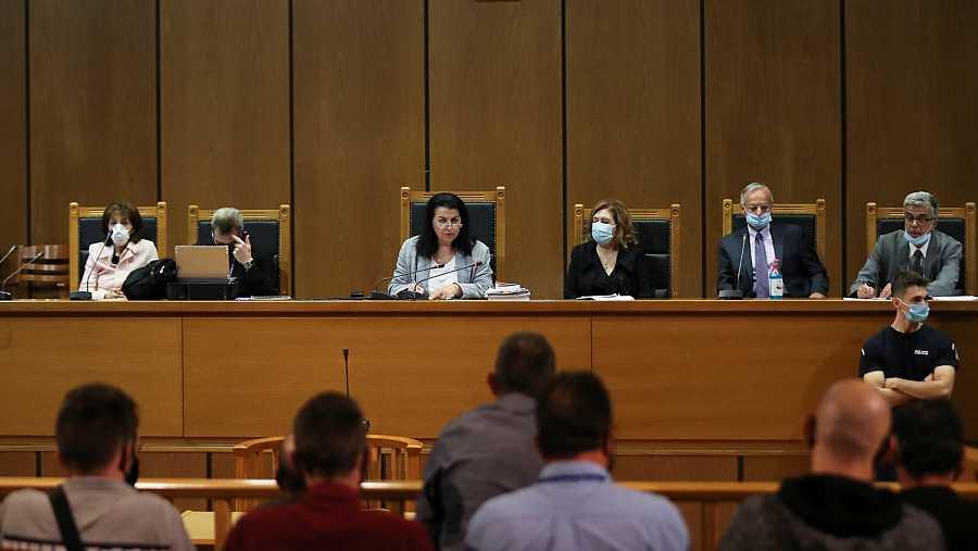 La jueza anuncia la sentencia de los miembros del partido neonazi griego Amancer Dorado