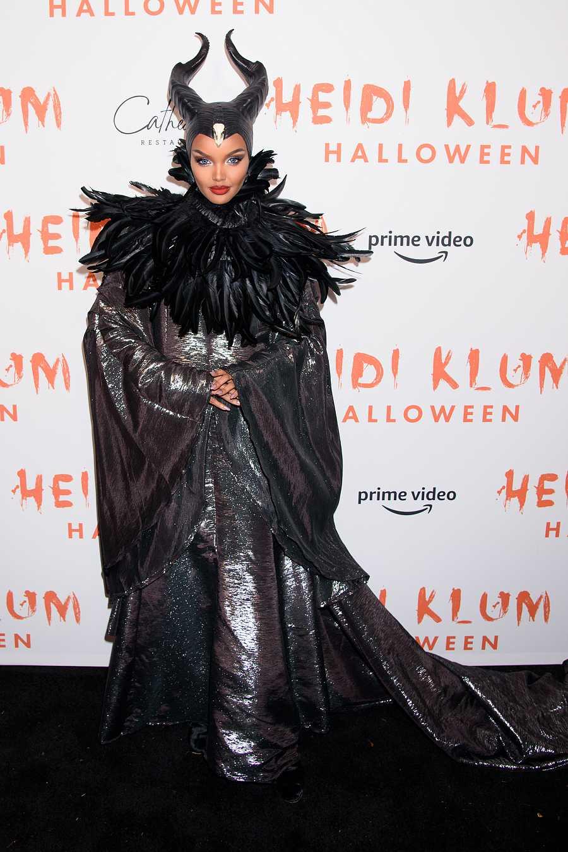 La modelo Halima Aden en la 20ª fiesta anual de Halloween de Heidi Klum