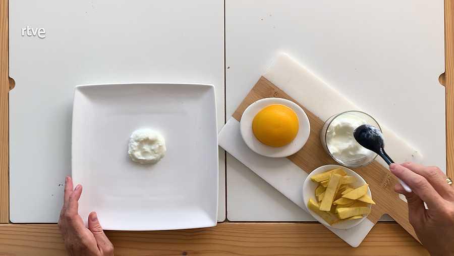 Los falsos 'huevos fritos con patatas' de María Castro