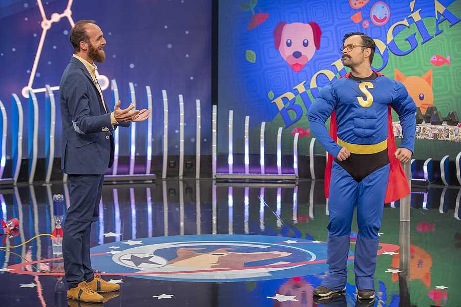 Eduardo Saenz de Cabezón y Ricardo Moure, en  la sexta temporada de 'Órbita Laika'