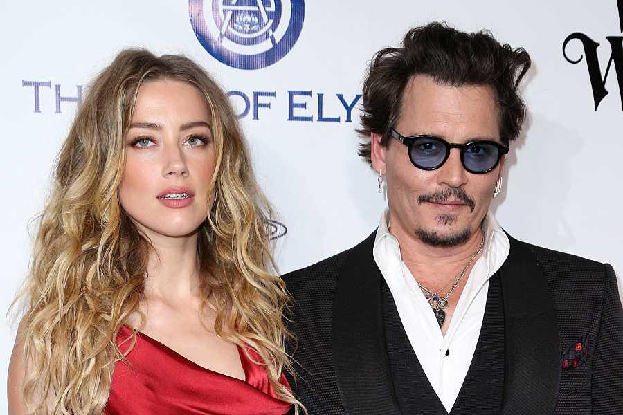 Amber Heard y Johnny Depp en un evento en California, 2016