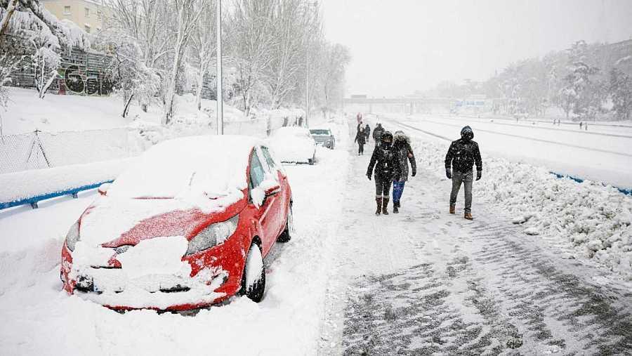 Así debemos arrancar el coche tras la nevada
