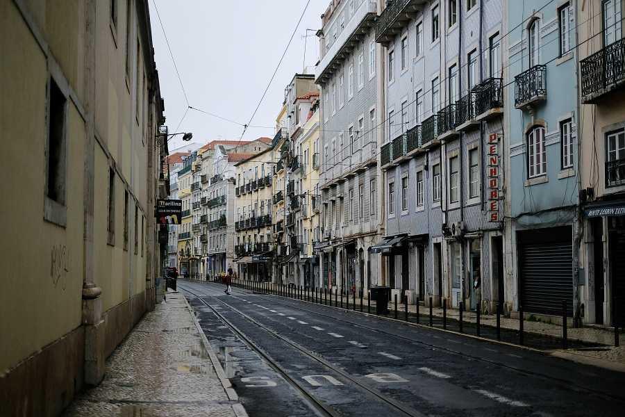 Una imagen desierta de Lisboa en pleno confinamiento
