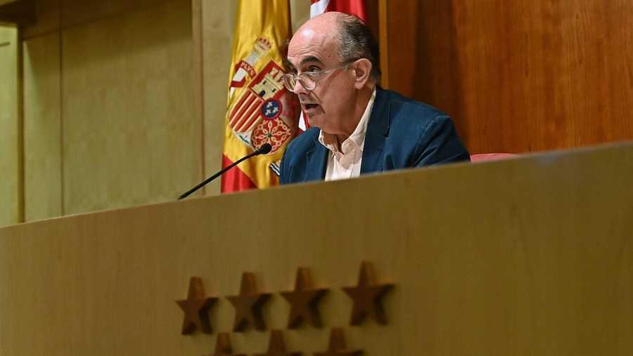 El viceconsejero de Salud Pública y Plan COVID-19, Antonio Zapatero, ha explicado este viernes en rueda de prensa que debido a la situación epidemiológica.EFE/FERNANDO VILLAR