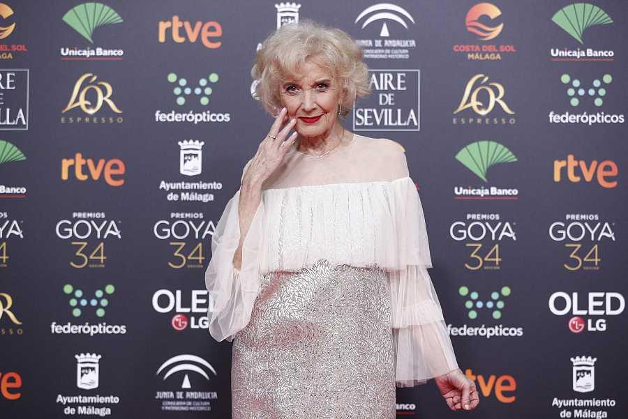Marisa Paredes con un vestido de Juan Duyos en la gala de los Goya 2020
