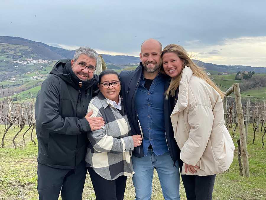 Anne, María del Monte, Flo y Gonzalo